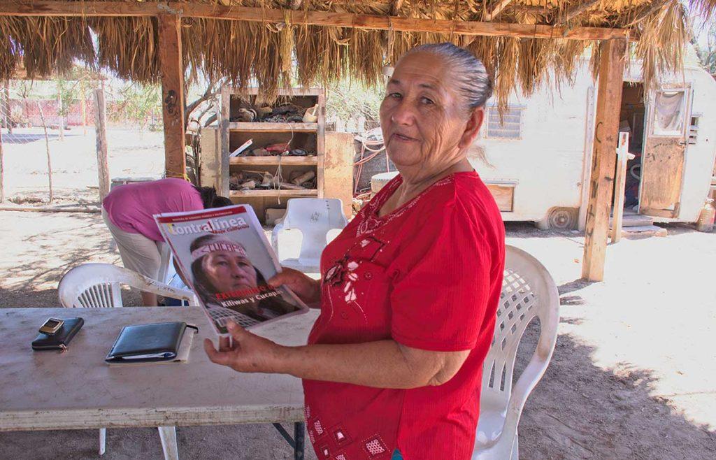Son portadoras orgullosas de sus raíces indígenas que se resisten a desaparecer. El indiviso, Baja California)